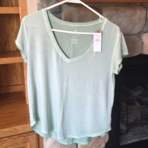 NWT American Eagle Favorite T